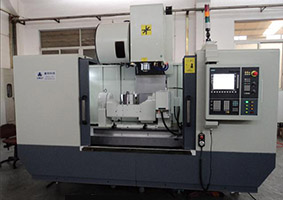 Five-axis-machining-center-2